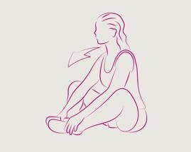 Žena sjedi sa stopalima okrenutim jedno prema drugom i isteže unutrašnje  butine